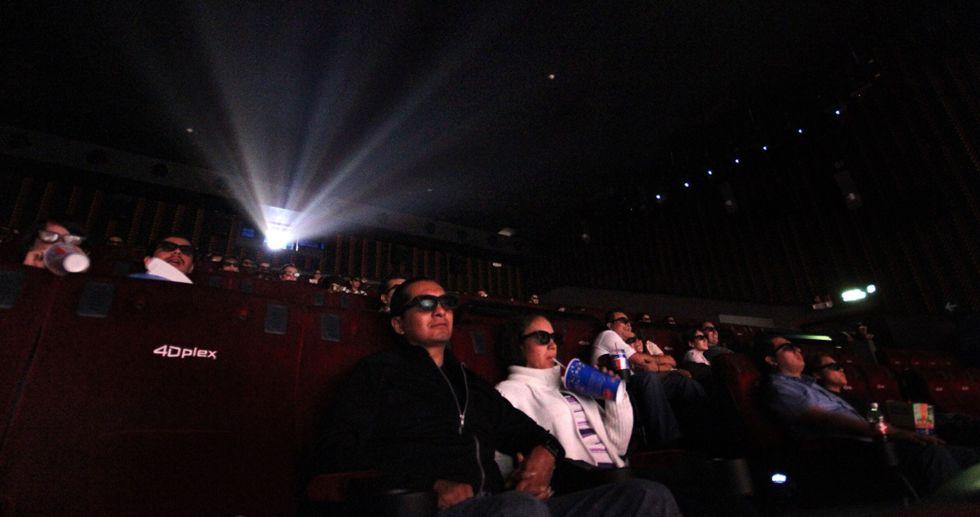 Espectadores en una sala de cine en la Ciudad de México