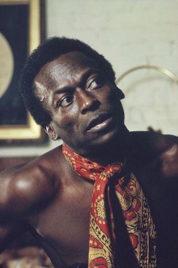 El músico Miles Davis en una imagen promocional de 1970.