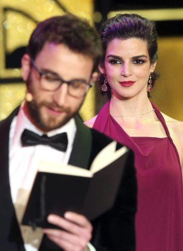 Dani Rovira y Clara Lago, en la gala de los Premios Goya de 2015.