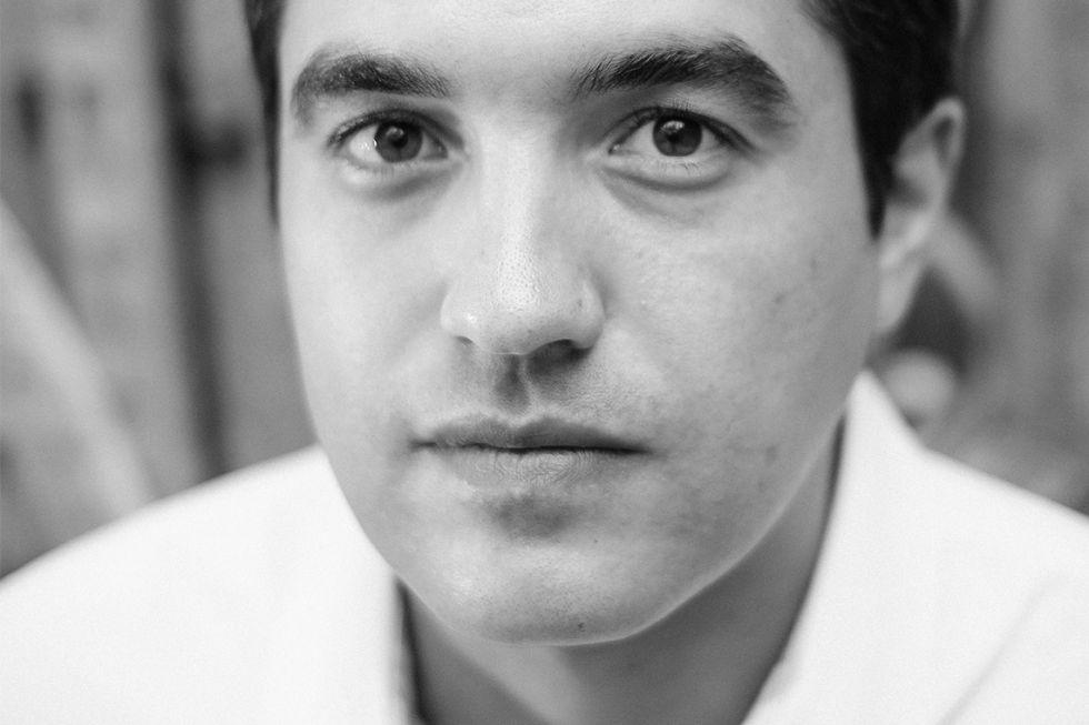El cineasta Naji Abu Nowar, en una imagen promocional.