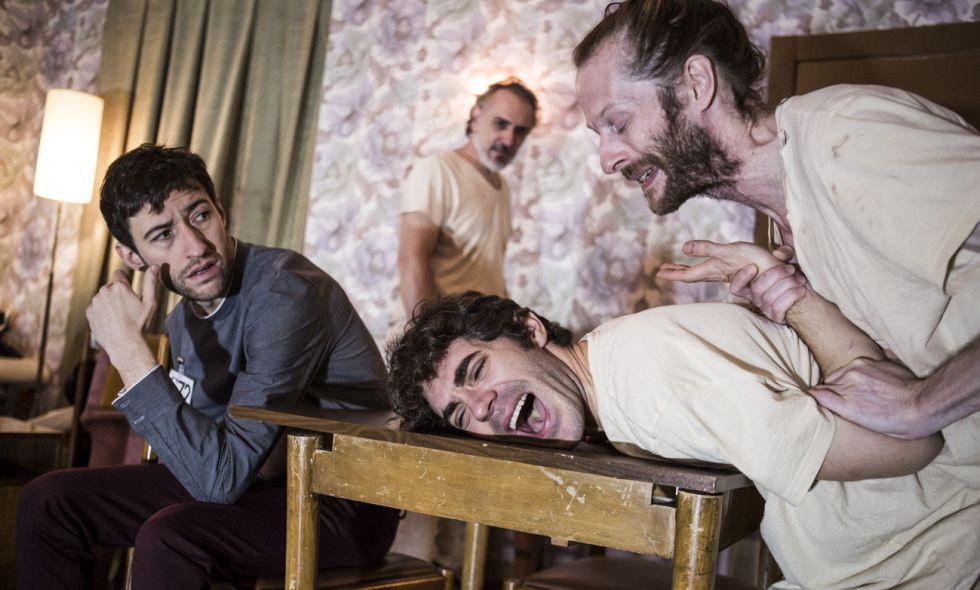 Una escena de 'La Fundación', de Buero Vallejo y dirigida por Ruth Rubio.