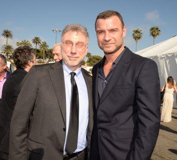 Marty Baron (izquierda) y Liev Schreiber, que le interpreta en 'Spotlight', el 27 de febrero en Santa Mónica, California.