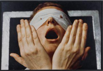 Detalle de 'Action Psyché', de Gina Pane.