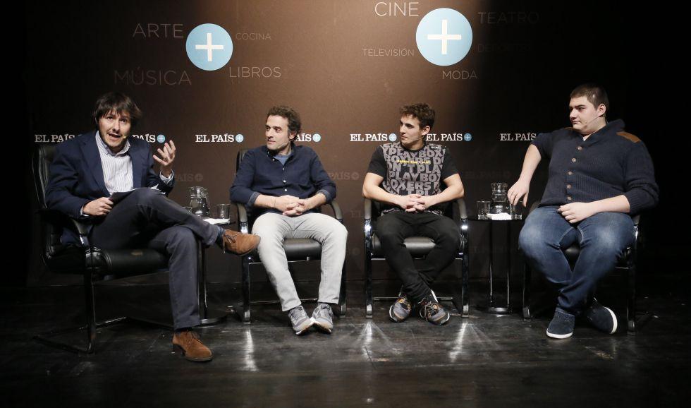 Los protagonistas, en un momento del encuentro con suscriptores.