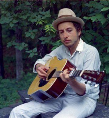 Bob Dylan, en su casa de Woodstock a finales de los sesenta.