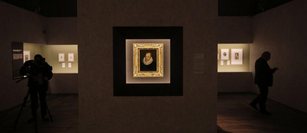 Una imagen de la exposición 'Miguel de Cervantes. De la vida al mito', en la Biblioteca Nacional.