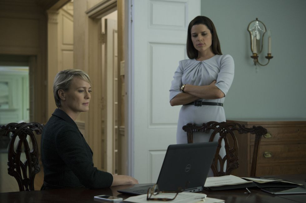 Robin Wright y Neve Campbell, en 'House of Cards'.