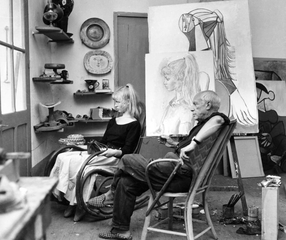 Pablo Picasso y su modelo Sylvette David, en 1954.