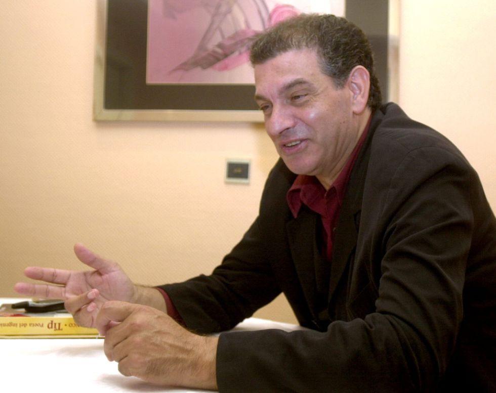 El músico Carlos Cano, en una imagen de 2000.