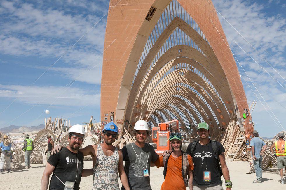 Delegación de Fallas durante el festival Burning Man
