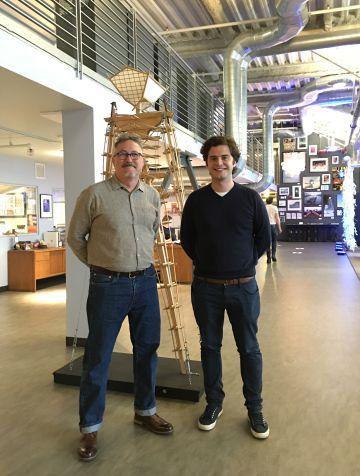 Stuart Mangrum y Christian G. Almenar en las oficinas de Burning Man en San Francisco.