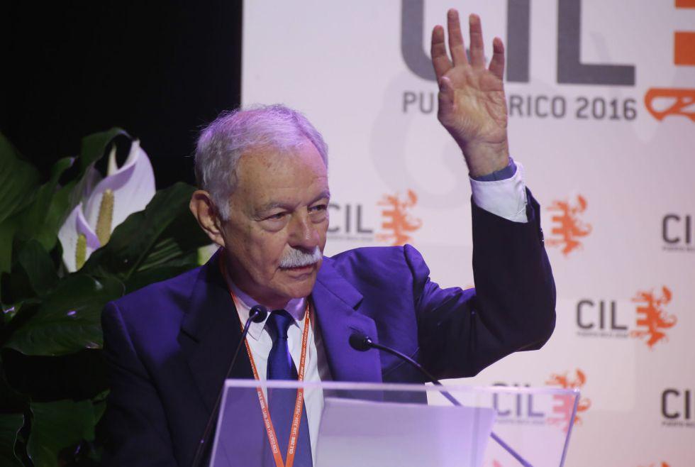 Eduardo Mendoza, en el VII Congreso Internacional de la Lengua Española.