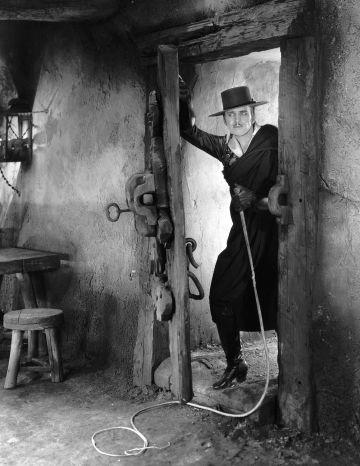 """Douglas Fairbanks en un fotograma de la película """"Don Q, hijo del Zorro"""" (1925) , de Donald Crisp."""