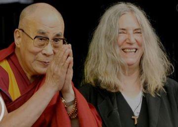 El Dalai Lama toma el escenario de Glastonbury