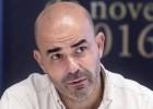 """Sacheri: """"A los países los salvan las personas de a pie, no los Gobiernos"""""""