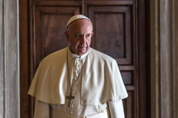El papa Francisco minutos antes de reunirse con el presidente de Bolivia, Evo Morales, en el Palacio Vaticano, el 15 de abril de 2016