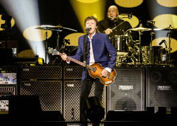 McCartney se rinde tributo