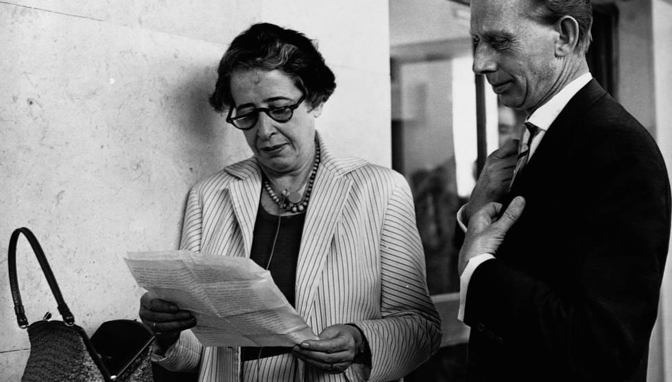Hannah Arendt durante o julgamento de Adolff Eichmann, em 1960.