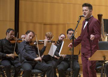 Auserón relee sus canciones en versión sinfónica