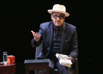 """Elvis Costello: """"Las compañías ahora mismo solo buscan superventas"""""""