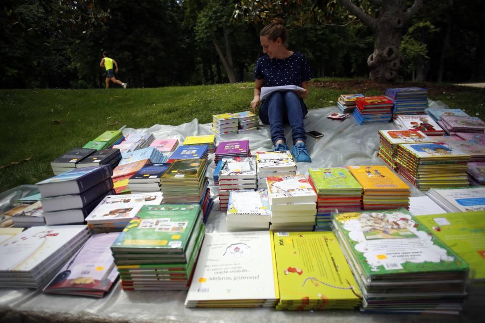 Las exportaciones de libros amortiguan la ca da del sector - En el piso de abajo libro ...