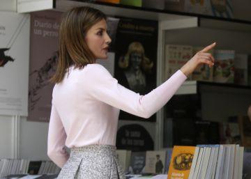 La Reina compra novelas gráficas y obras de filosofía