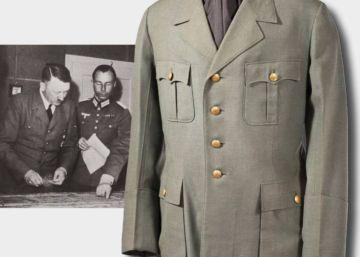 La chaqueta militar de Hitler, adquirida por 275.000 euros