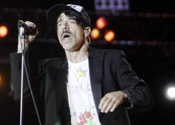 Red Hot Chili Peppers, Damon Albarn o The Foals tocan en directo en EL PAÍS