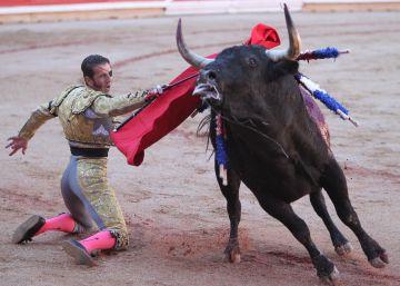 El Juli exige el toro y triunfa