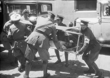 18 de Julio: El comienzo de la Guerra Civil en Barcelona, por Centelles
