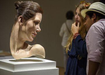 El Bellas Artes de Bilbao reabre tras la huelga con esculturas hiperrealistas