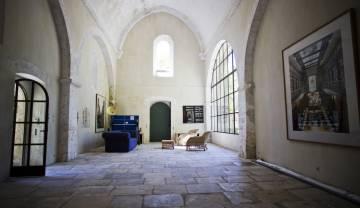 Interior de la Abadía de Pierredon tras la restauración.