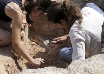 Hallada una tumba del siglo VII intacta en un palacio visigodo de Orgaz