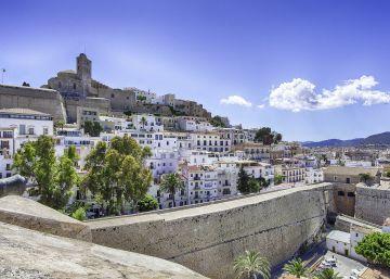 La venta del yate del Rey financiará la restauración de las murallas de Ibiza
