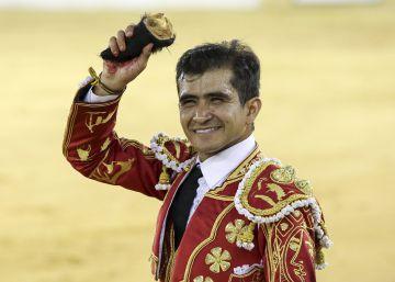 Joselito Adame y Fortes destacan en la corrida picassiana de Málaga