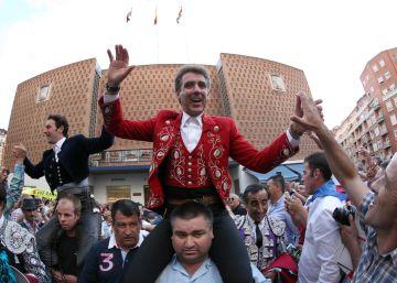 Lea Vicens pone el toreo, y Hermoso y Andy Cartagena triunfan en Bilbao