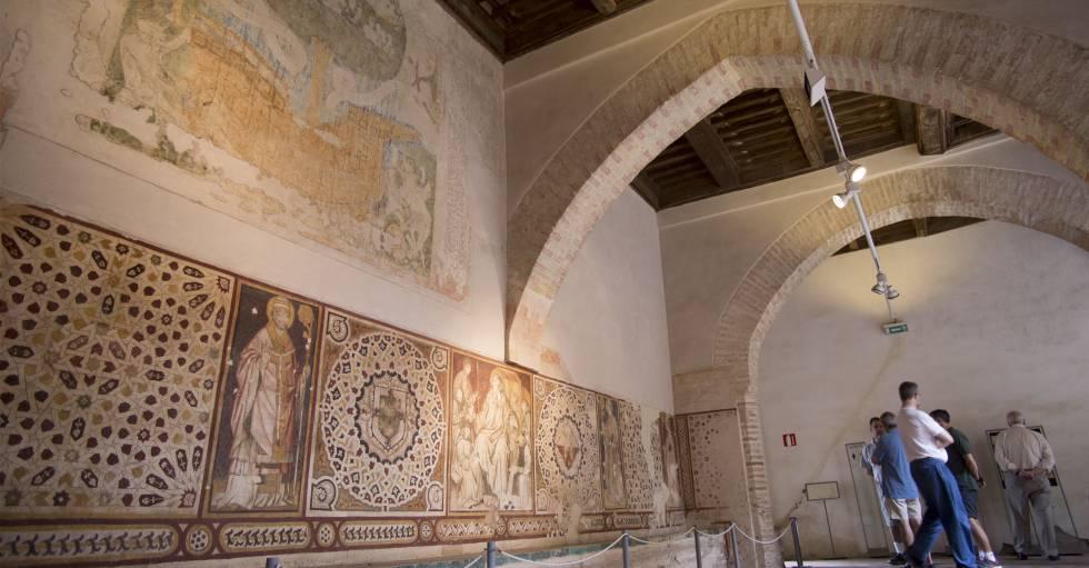robados dos azulejos del siglo xvi de un monasterio de