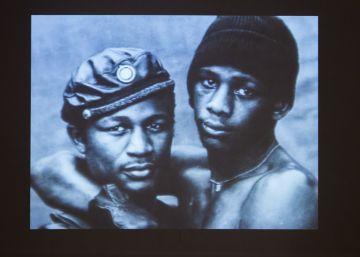 El Bronx acoge la primera exposición dedicada al impacto del sida en el arte