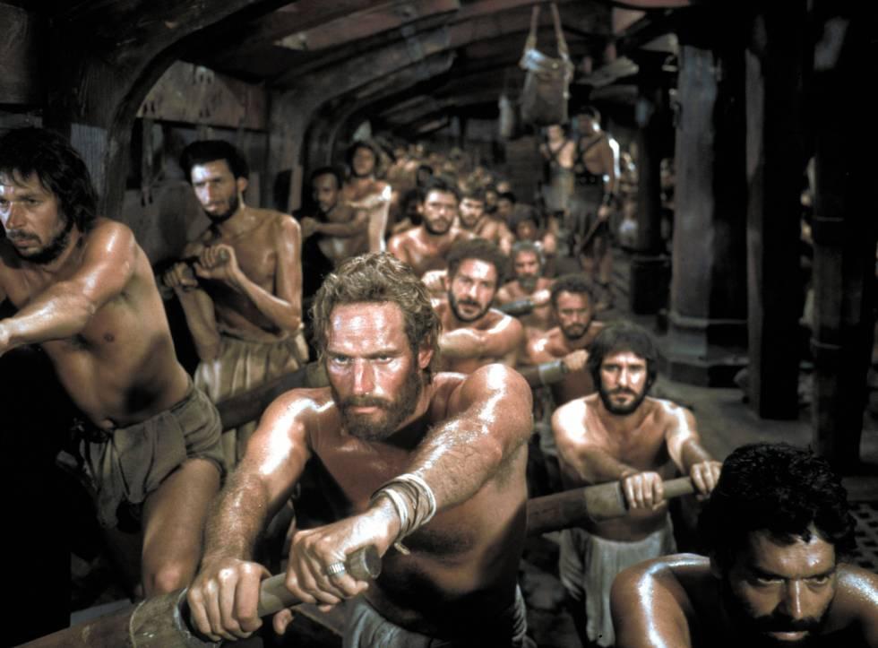Judá Ben-Hur, castigado en las galeras.