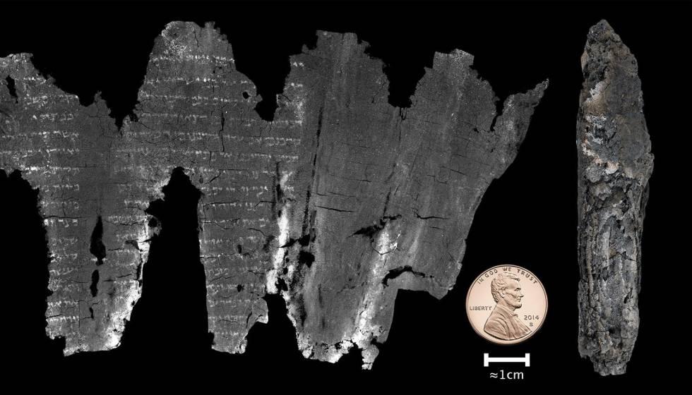 Imagen del manuscrito comparado con un centavo de EE UU.
