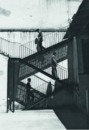 'Unos suben y otros bajan' (1940), fotografía de Lola Álvarez Bravo.