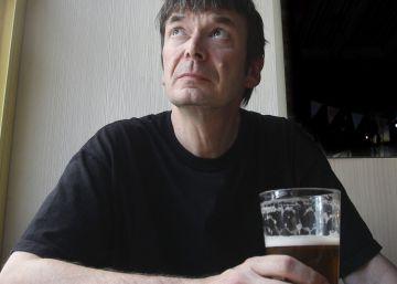 """Ian Rankin: """"Elegí la novela popular, que es la que da dinero"""""""