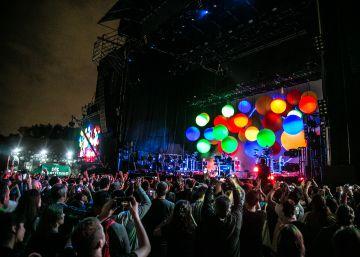 El recuerdo de David Bowie marca el regreso del Festival BUE en Argentina