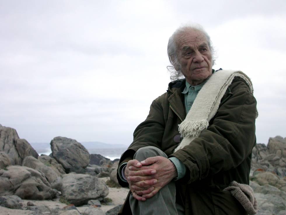 Nicanor Parra, en marzo de 2009, en Las Cruces (Chile).