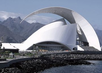 What brought about Santiago Calatrava's fall from grace?