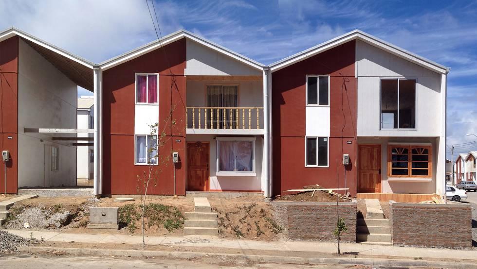 Viviendas sociales del proyecto Villa Verde de Elemental, de Alejandro Aravena, en Constitución (Chile).