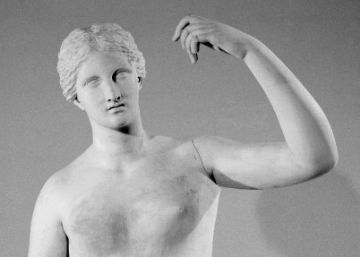 Un camarero rompe un dedo a una valiosa estatua del British Museum
