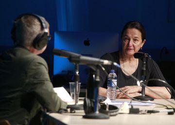 La historiadora feminista Rosalyn Deutsche en la maratón de radio LaPublika en San Sebastián.