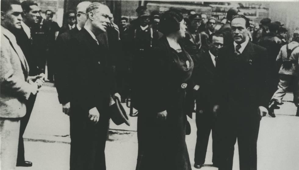 La CNT en el Gobierno de la República. De izquierda a derecha, los ministros Bernardo Giner de los Ríos del partido Unión Republicana y Federica Montseny y Juan García Oliver de la FAI.