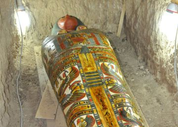 Spanish-led mission finds mummy near Egyptian pharaoh's temple
